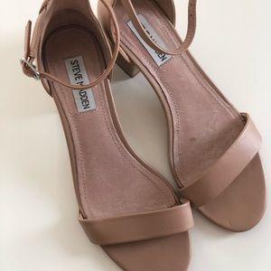 Steve Madden Irenee Sandals